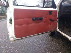 TR sofőr felőli ajtó