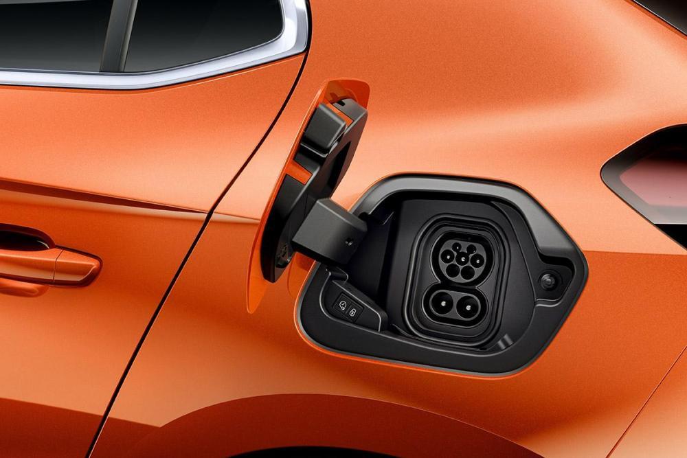 Opel-Corsa-e-Charging-506900.jpg