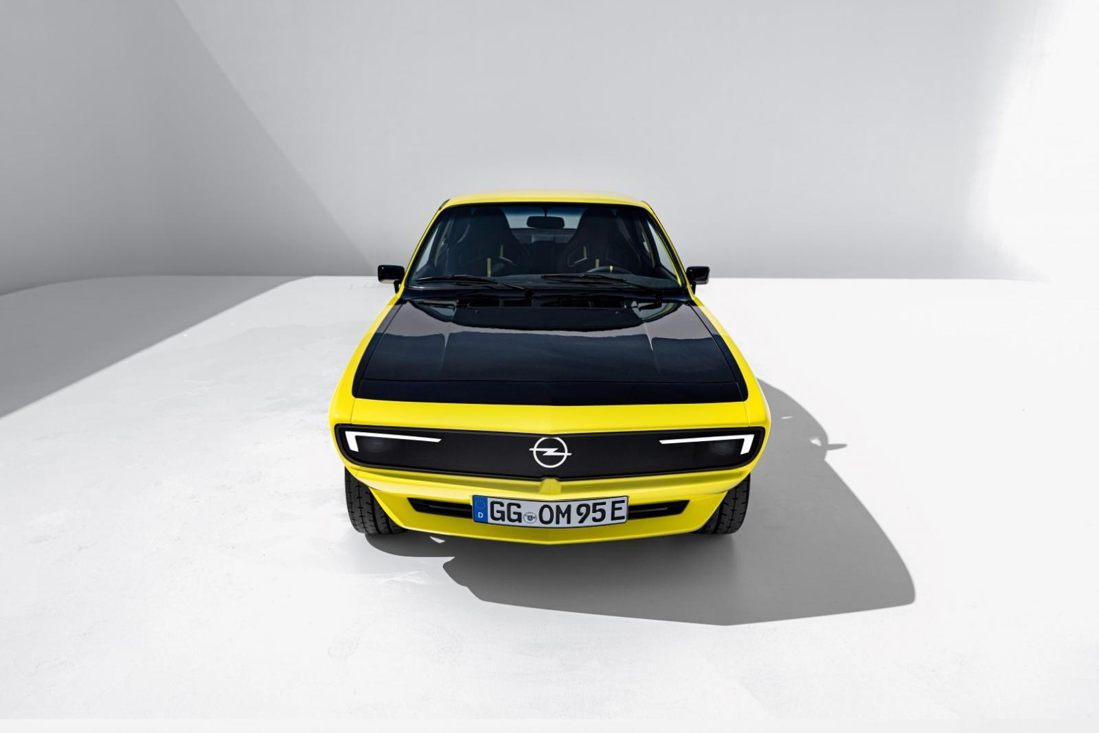 11_Opel-Manta-GSe-ElektroMOD-515566 (Large).jpg
