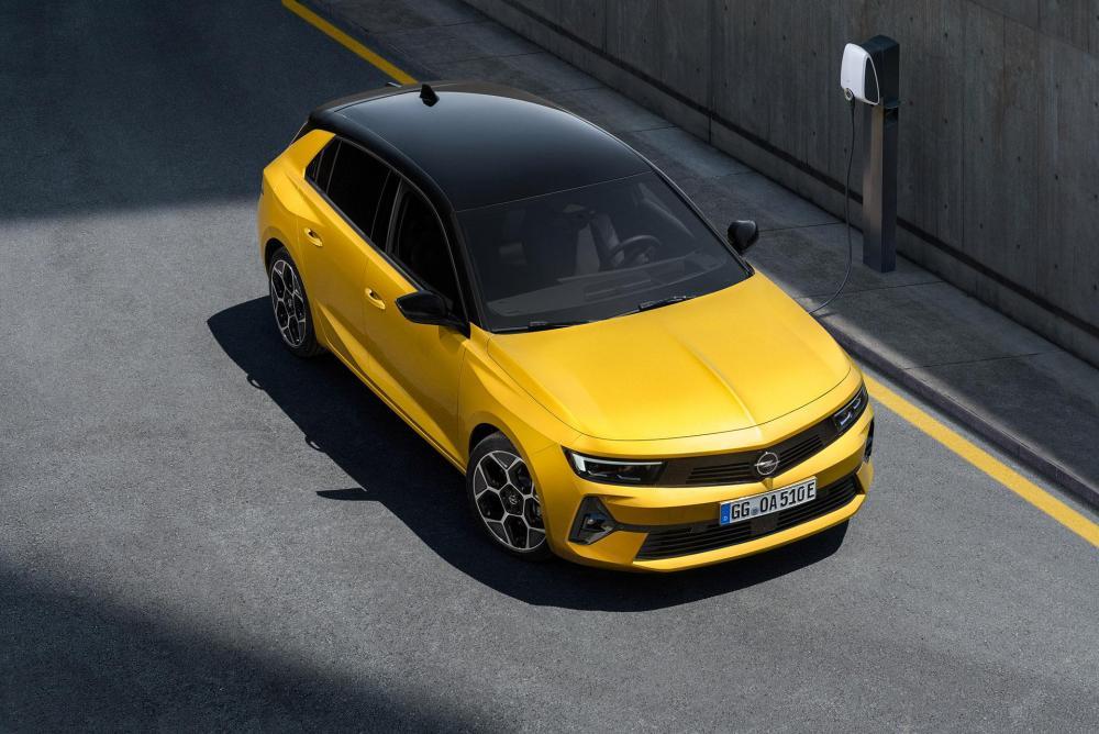 04-Opel-Astra-516125.jpg